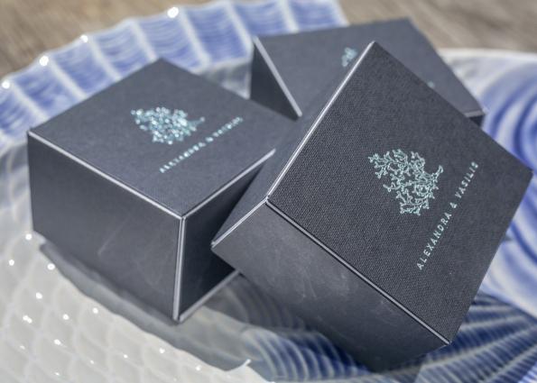 MINIMAL BLUE BOX